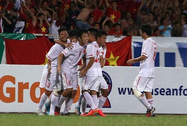 Hủy diệt Myanmar, U19 Việt Nam giành vé vào chung kết - Ảnh 1