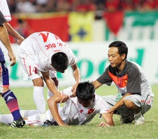 Cầu thủ U19 Việt Nam gục khóc, fan buồn rượi sau thất bại - Ảnh 1