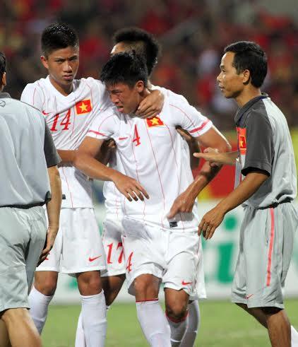 Cầu thủ U19 Việt Nam gục khóc, fan buồn rượi sau thất bại - Ảnh 2