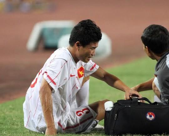 Cầu thủ U19 Việt Nam gục khóc, fan buồn rượi sau thất bại - Ảnh 3