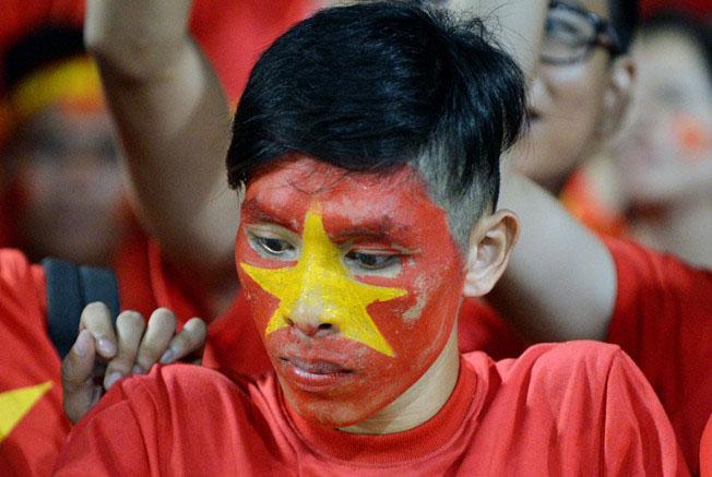 Cầu thủ U19 Việt Nam gục khóc, fan buồn rượi sau thất bại - Ảnh 7