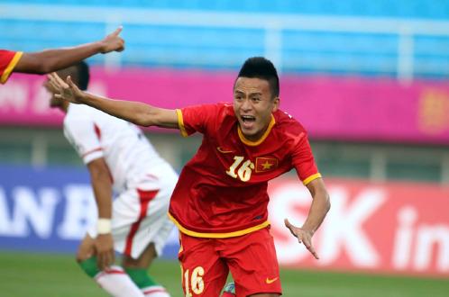 Clip: Olympic Việt Nam gây địa chấn khi hạ Iran 4-1 - Ảnh 1