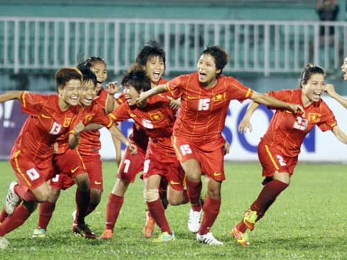 Vùi dập Hong Kong 5-0, ĐT Việt Nam đụng Thái Lan ở tứ kết - Ảnh 1