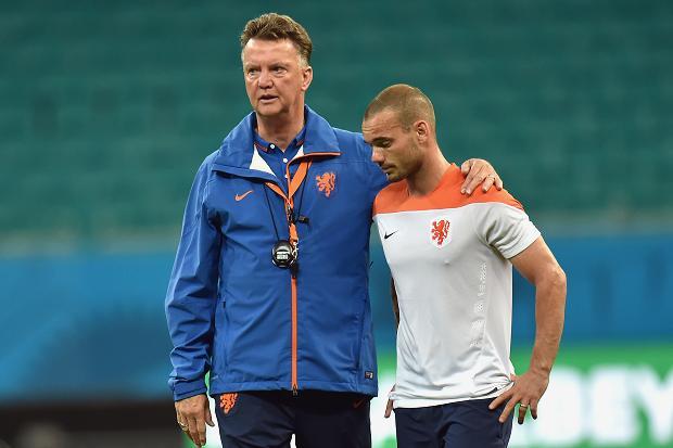 Thể thao 24h: Sneijder tỏ tình với M.U, Suarez đọ tài U19 Indo - Ảnh 1