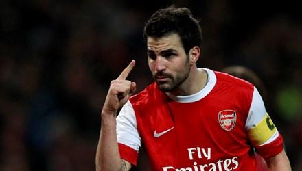 Arsenal rủng rỉnh tiền bạc nhờ Fabregas đến Chelsea - Ảnh 1