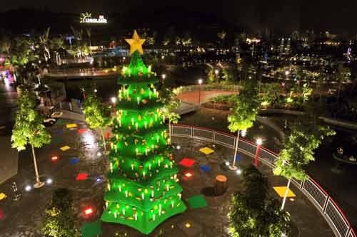 Những cây thông Noel hoành tráng nhất thế giới năm 2013 - Ảnh 2