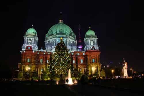 Những cây thông Noel hoành tráng nhất thế giới năm 2013 - Ảnh 7