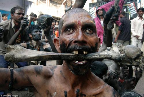 Hình ảnh ấn tượng tại lễ hội Maha Shivratri của người Hindu - Ảnh 4