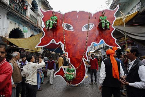Hình ảnh ấn tượng tại lễ hội Maha Shivratri của người Hindu - Ảnh 7