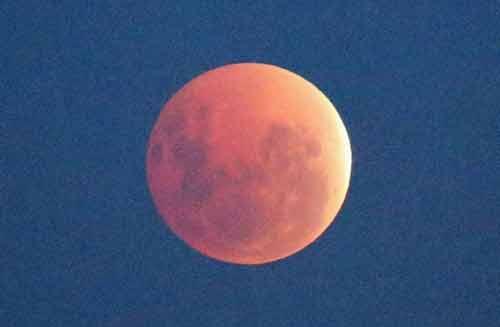 """Clip: Toàn cảnh hiện tượng """"Mặt trăng máu"""" hôm nay - Ảnh 5"""