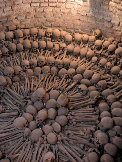 Khám phá những công trình được xây dựng bằng xương, đầu lâu người - Ảnh 5