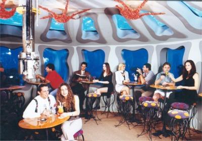 Những quán bar độc đáo, kỳ quái trên thế giới - Ảnh 4