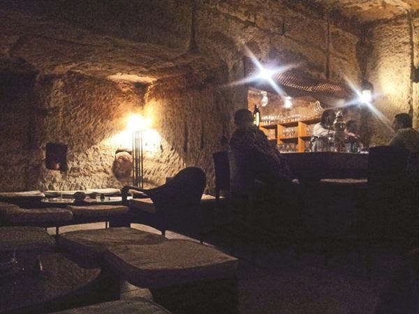 Những quán bar độc đáo, kỳ quái trên thế giới - Ảnh 5