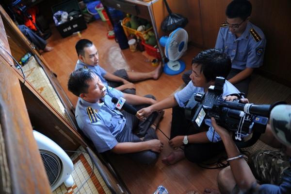 Phóng viên VTV với những hình ảnh chưa từng lên sóng ở Biển Đông - Ảnh 19