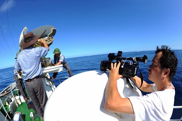 Phóng viên VTV với những hình ảnh chưa từng lên sóng ở Biển Đông - Ảnh 25
