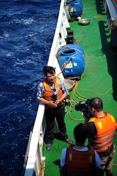 Phóng viên VTV với những hình ảnh chưa từng lên sóng ở Biển Đông - Ảnh 5