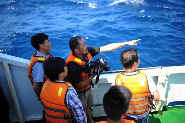 Phóng viên VTV với những hình ảnh chưa từng lên sóng ở Biển Đông - Ảnh 6