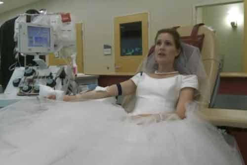 Kỳ lạ cặp cô dâu chú rể yêu cầu khách hiến máu thay quà cưới - Ảnh 1