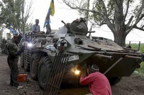 """Quân đội Ukraina """"tháo chạy"""" ở tỉnh Lugansk - Ảnh 1"""
