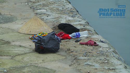 Phát hiện thi thể phụ nữ chết úp mặt dưới hồ Linh Đàm - Ảnh 3