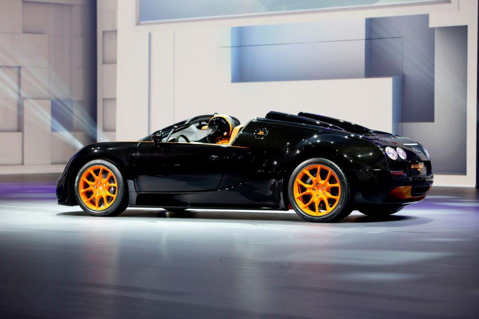 Bugatti Veyron - Ông hoàng của làng siêu xe 20 năm qua - Ảnh 5