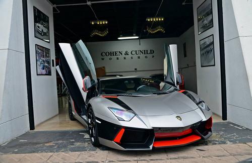Siêu xe Lamborghini Aventador rực rỡ xuống phố du xuân - Ảnh 6