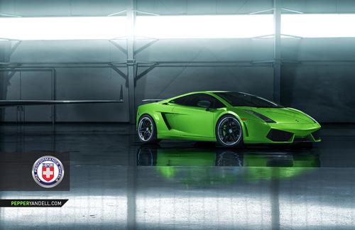 Bộ ảnh cực độc Lamborghini Gallardo khoe dáng cùng phi cơ - Ảnh 5