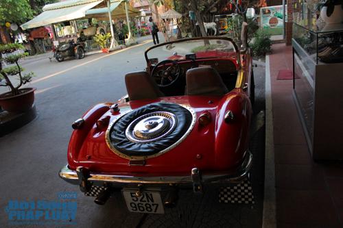 Tận mục bộ sưu tập xe cổ đồ sộ nhất Sài thành - Ảnh 9