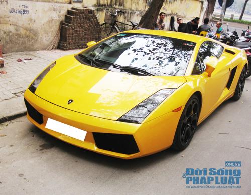 Bò vàng Lamborghini Gallardo tái xuất trên phố Hà Nội - Ảnh 1