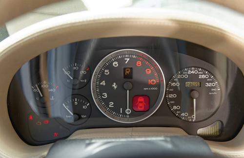 Cận cảnh siêu xe cực hiếm Ferrari 575 GTZ - Ảnh 4