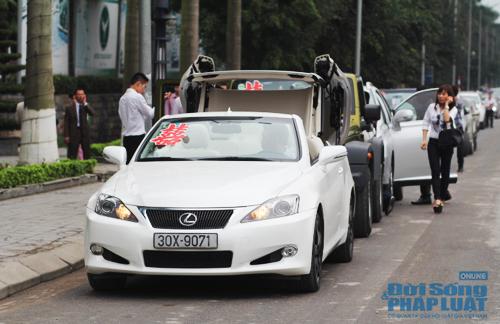 Rolls-Royce Phantom biển độc làm xe hoa trên phố Hà Nội - Ảnh 6