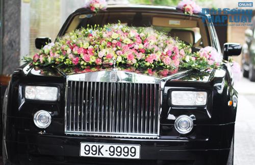 Rolls-Royce Phantom biển độc làm xe hoa trên phố Hà Nội - Ảnh 1