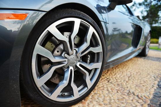 Siêu xe Audi R8 V10 - hàng hiếm tại Việt Nam - Ảnh 3