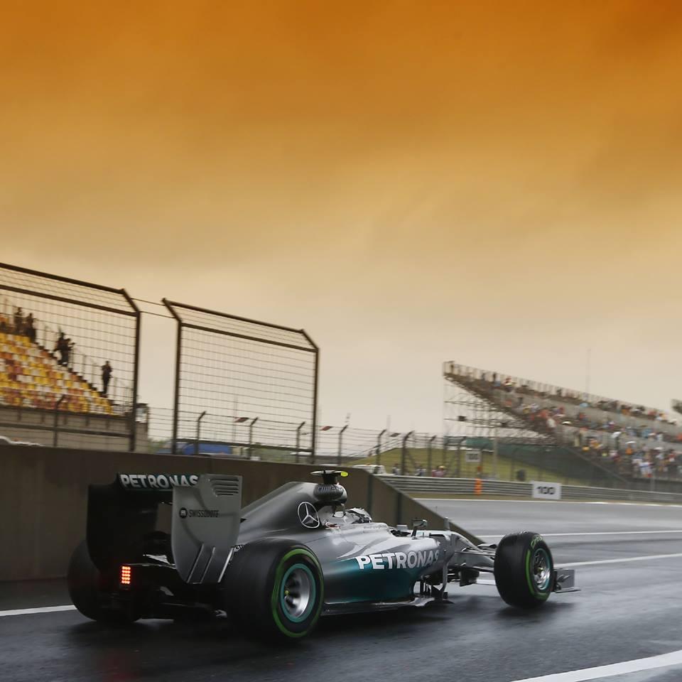 Hamilton và những khoảnh khắc vàng tại đường đua F1 Trung Quốc - Ảnh 3