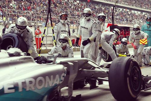 Hamilton và những khoảnh khắc vàng tại đường đua F1 Trung Quốc - Ảnh 4