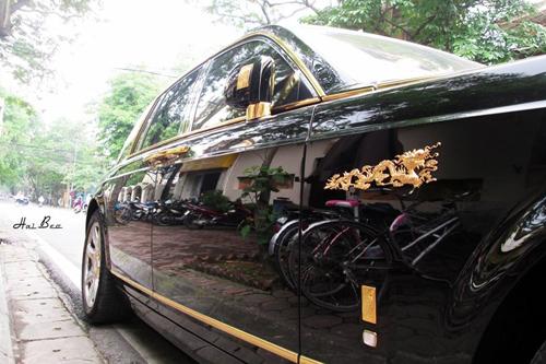 Rolls-Royce Phantom mạ vàng, chạm rồng thời Lý trên phố Hà thành - Ảnh 2