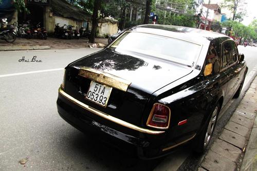 Rolls-Royce Phantom mạ vàng, chạm rồng thời Lý trên phố Hà thành - Ảnh 4