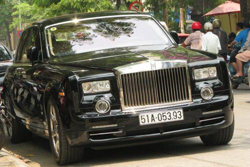 Rolls-Royce Phantom mạ vàng, chạm rồng thời Lý trên phố Hà thành - Ảnh 8