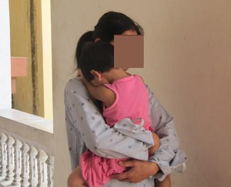 Bà ngoại đâu ngờ 2 cháu gái đều bị người quen xâm hại tình dục - Ảnh 1