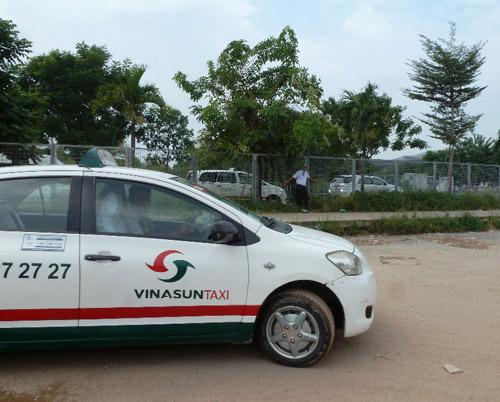 Phát hiện tài xế taxi Vinasun đột tử trong xe - Ảnh 1