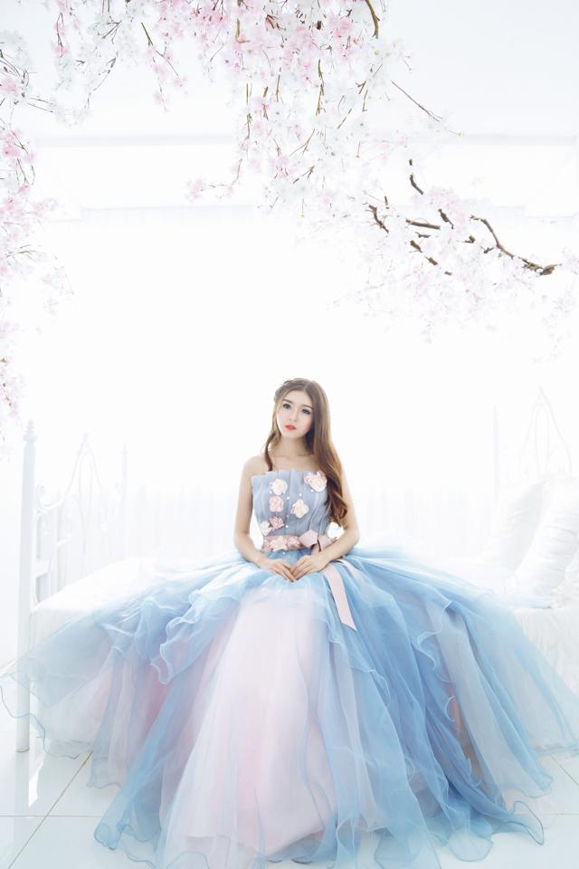 Ngắm bộ ảnh búp bê Việt Lily Luta mặc váy cô dâu đẹp long lanh - Ảnh 4