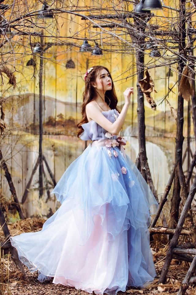 Ngắm bộ ảnh búp bê Việt Lily Luta mặc váy cô dâu đẹp long lanh - Ảnh 14
