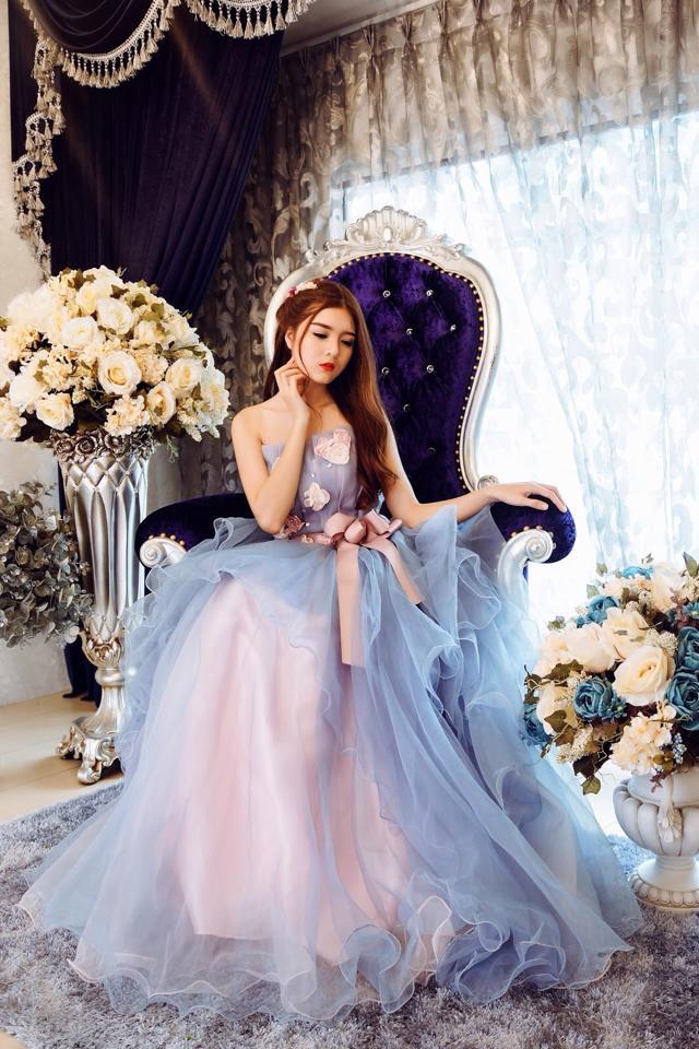 Ngắm bộ ảnh búp bê Việt Lily Luta mặc váy cô dâu đẹp long lanh - Ảnh 15