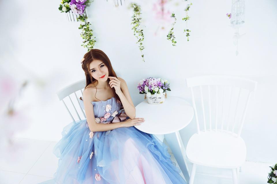 Ngắm bộ ảnh búp bê Việt Lily Luta mặc váy cô dâu đẹp long lanh - Ảnh 5