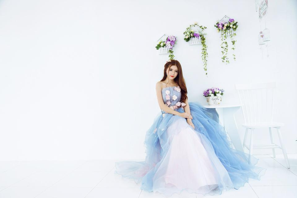 Ngắm bộ ảnh búp bê Việt Lily Luta mặc váy cô dâu đẹp long lanh - Ảnh 6