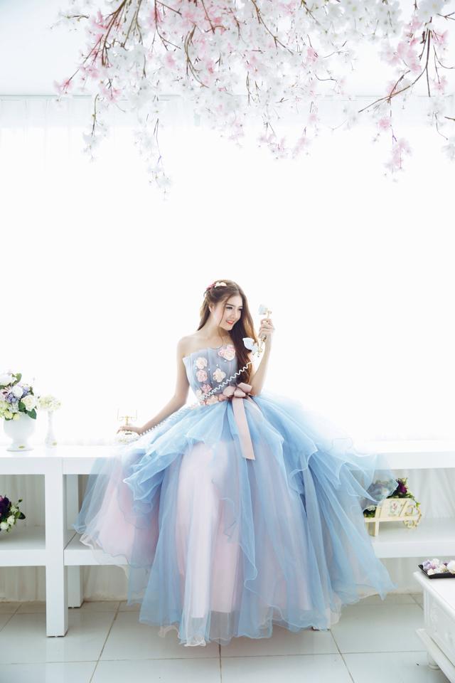 Ngắm bộ ảnh búp bê Việt Lily Luta mặc váy cô dâu đẹp long lanh - Ảnh 11