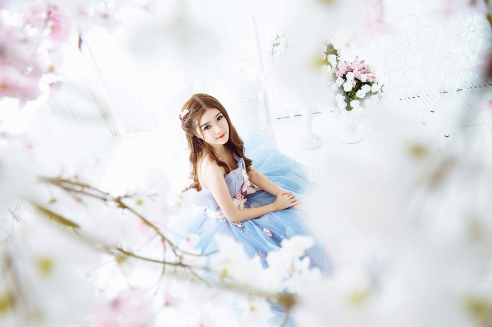 Ngắm bộ ảnh búp bê Việt Lily Luta mặc váy cô dâu đẹp long lanh - Ảnh 12