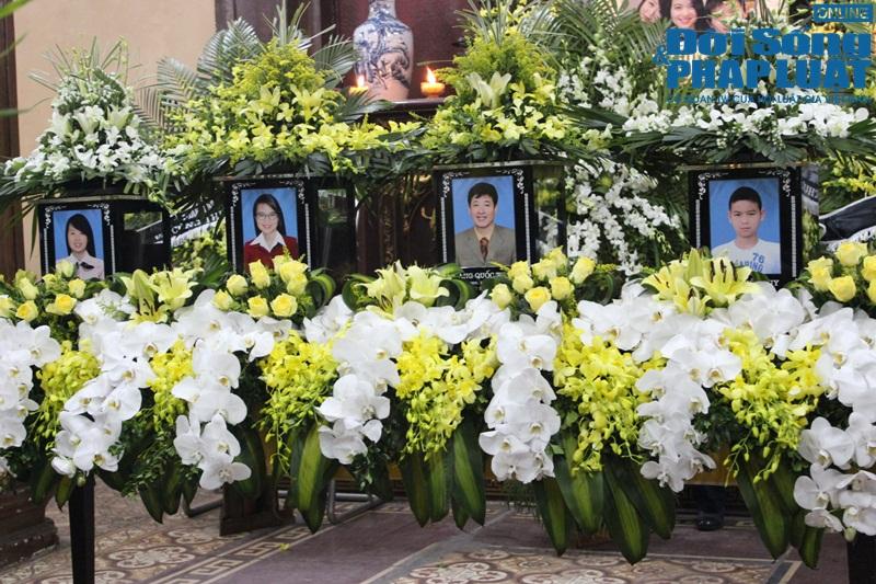 Nước mắt nghẹn đắng trong lễ tang 3 mẹ con người Việt tử nạn MH17 - Ảnh 2