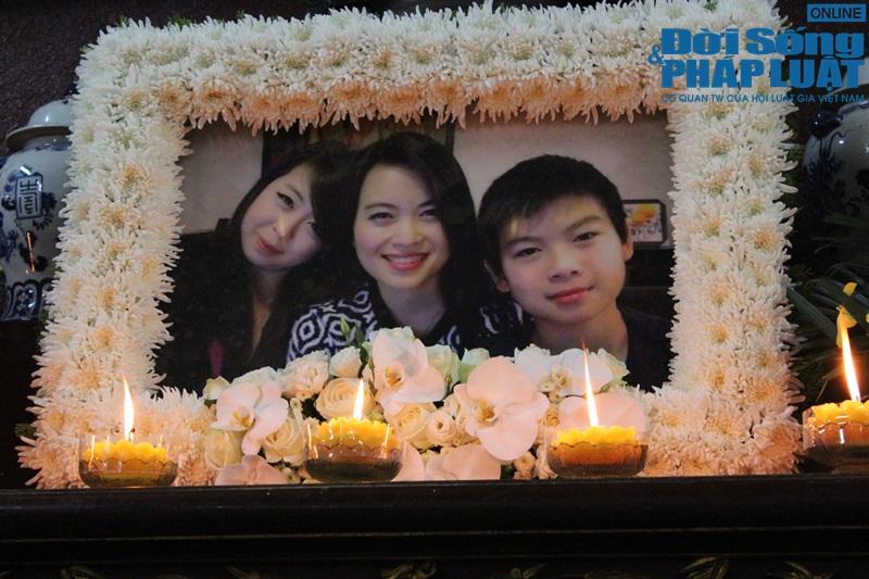 Nước mắt nghẹn đắng trong lễ tang 3 mẹ con người Việt tử nạn MH17 - Ảnh 6