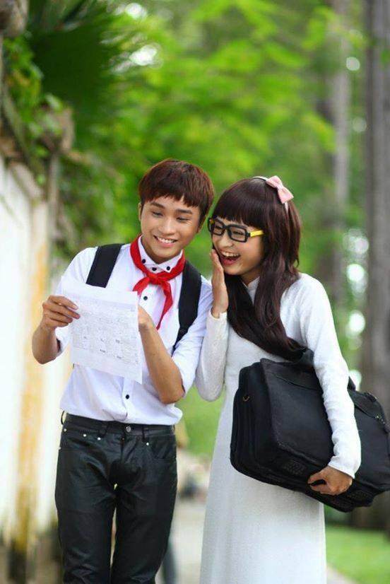 """Chàng trai 9X giả gái dễ thương trong bộ ảnh """"về thăm trường xưa"""" - Ảnh 4"""